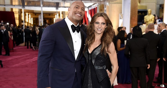 Dwayne Johnson y Lauren Hashian