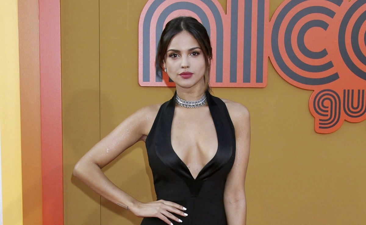 fotos de Eiza Gonzále en leggings