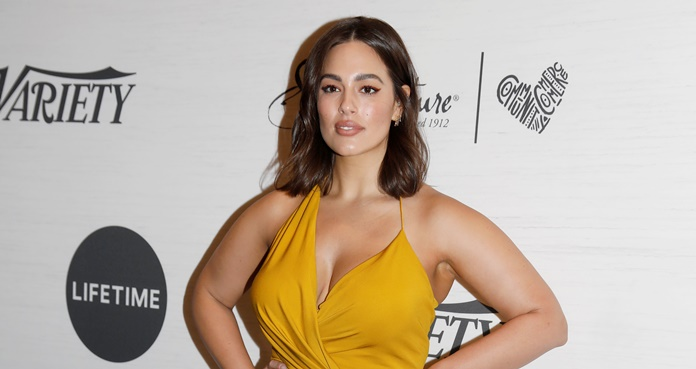 Ashley Graham posa en bikini