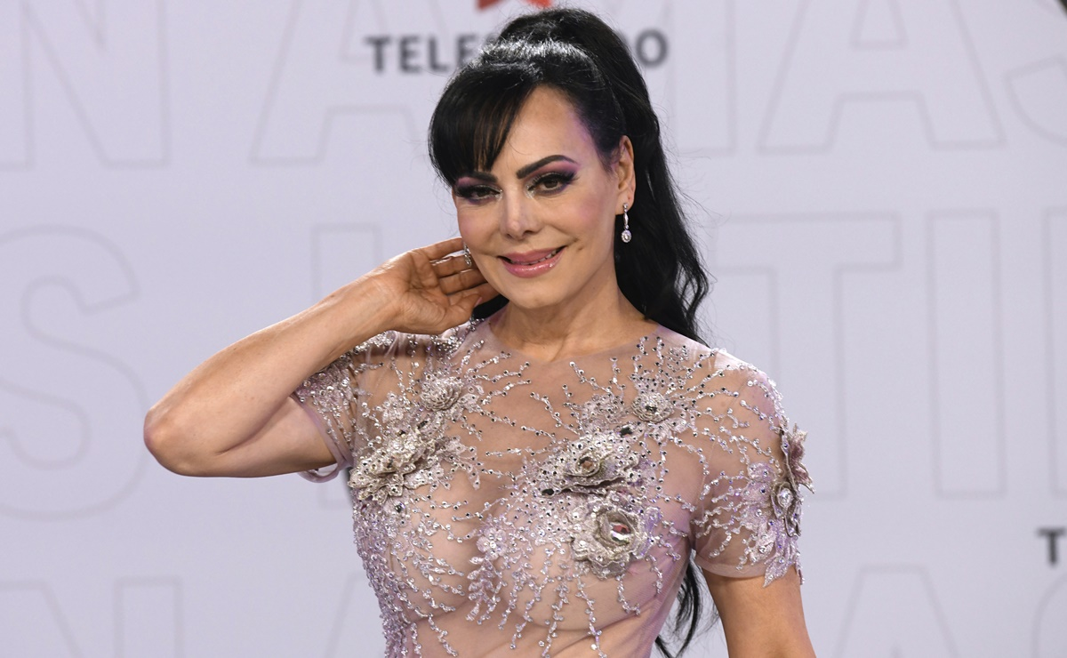 Maribel Guardia luce vestido transparente