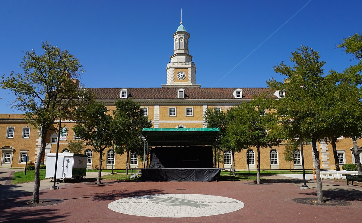 University of North Texas, beca