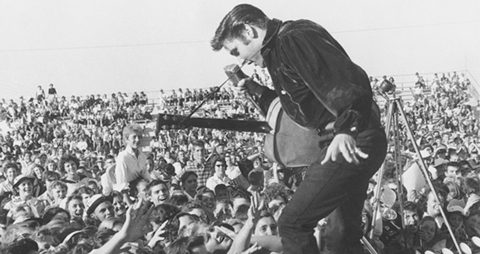 Elvis Presley, rey del rock and roll,