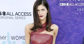 Alexandra Daddario dazzle with the red swimsuit in the pool