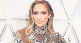 Jennifer Lopez radiates beauty with minidress pink in the session