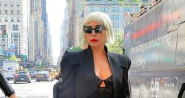Lady Gaga hits with dress style 'bra out in New York