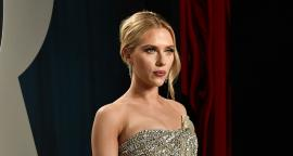 Scarlett Johansson destila elegancia en 'after party' de los Premios Oscar