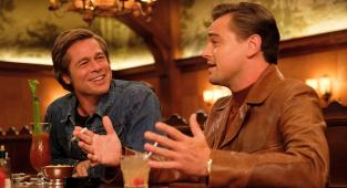 Once Upon a Time in Hollywood, Leonardo DiCaprio, Brad Pitt, bar,
