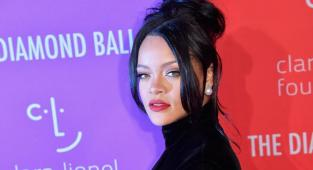Rihanna, cantante, Diamond Ball,