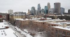 El centro de Minneapolis, cubierto de nieve